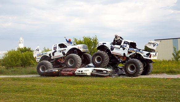 Vi-COR BIGFOOT Trucks